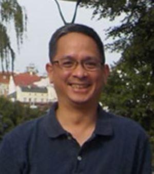 ザイリンクス株式会社 Louie Valeña